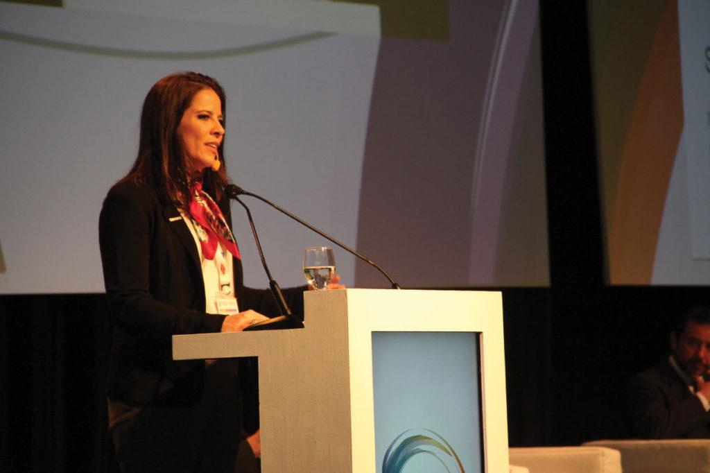 Marina Mattar, responsable de Relaciones Institucionales y Sustentabilidad de la Asociación Brasileña de la Industria Química (ABIQUIM)