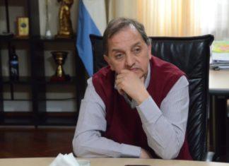 Carlos Linares, Intendente de Comodoro Rivadavia
