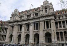 El gobierno quiere reactivar las obras de las represas Kirchner y Cepernic.