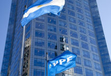 YPF y Santa Cruz firmaron acuerdo para preservar actividad y empleos en la industria petrolera