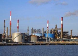 Total firma contrato de ingeniería para la refinería de Donges en Francia