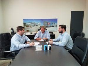 Directivos: (de izq a der) Fernando García (Gerente de Ventas), Eduardo García (Presidente) y Emilio García (Gerente Comercial)