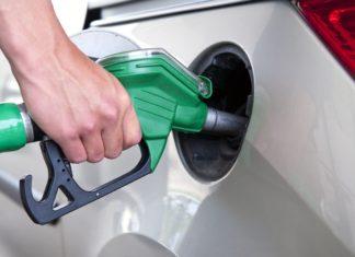 El precio de las naftas subió 10% más que la inflación en los últimos 12 meses